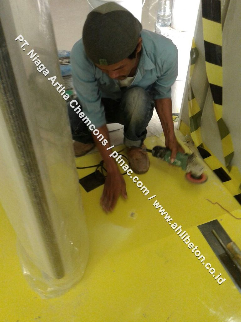 Epoxy lantai kuning